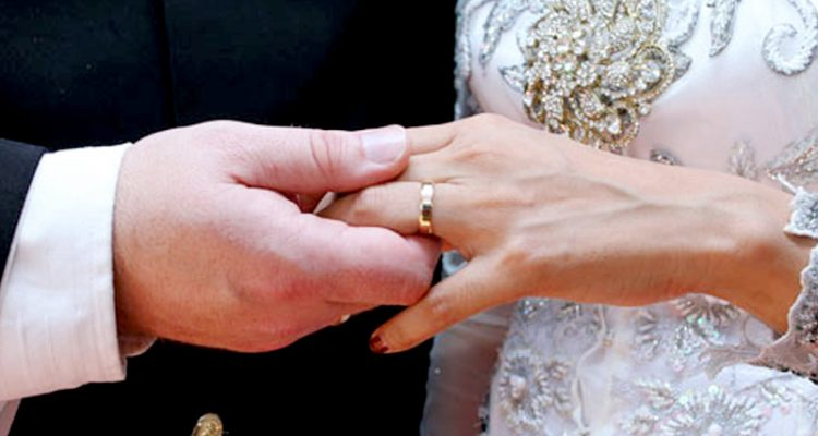 Getting Married But Worrying How To Avoid Divorce